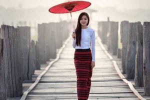Mandalay girl in Myanmar outfit